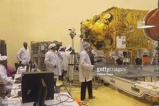 India's mars craft a $ 100 million 1350 kilogram satellite all set to be launched in October 2013 India may rendezvous with the Red planet Mars the...