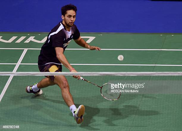 India's Parupalli Kashyap plays against Hong Kong's Hu Yun in their men's single semifinals of the Singapore Open on April 11 2015 AFP PHOTO / ROSLAN...