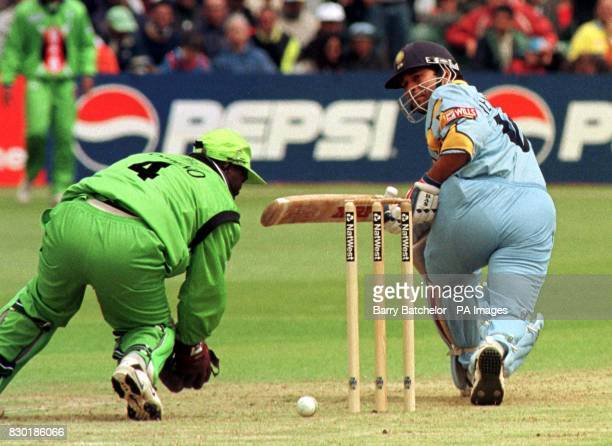3 921 1999 Cricket World Cup Photos And Premium High Res Pictures Getty Images