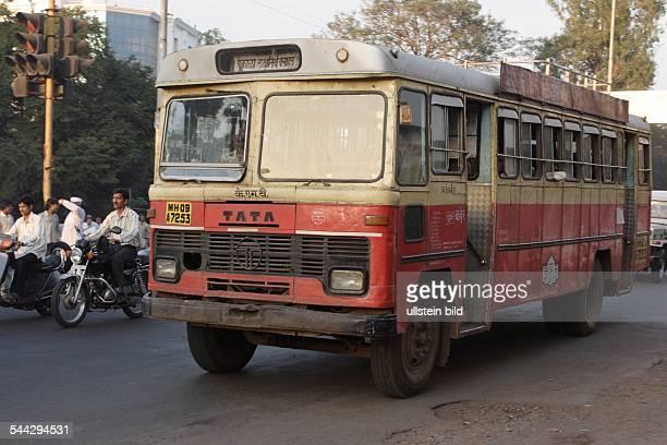 Indien, Verkehr, Bus im Straßenverkehr