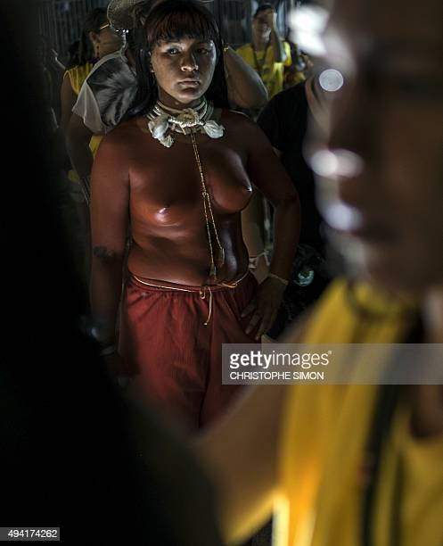 Indigenous women get ready before the indigenous beauty contest of the I World Indigenous Games in Palmas Tocantins on October 24 2015 AFP PHOTO /...