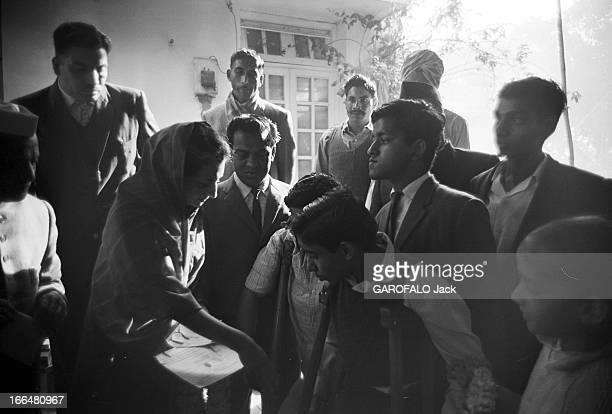 Indira Gandhi Head Of Government Of India En Inde à Dehli le 9 février 1966 le premier ministre de l'Union indienne Indira GANDHI de profil la tête...