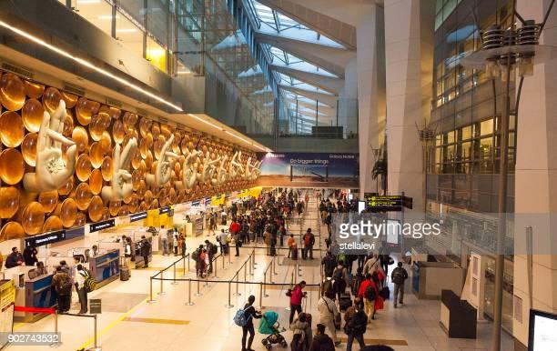 aeroporto internacional indira gandhi, nova delhi, índia - indira gandhi international airport - fotografias e filmes do acervo