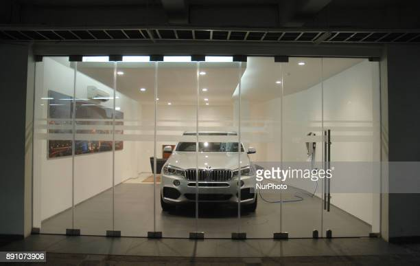 BMW Indonesia along with Tunas Mobilindo Parama company inaugurated a BMW i dealer that sells and serves electric cars and plugin hybrid BMW Jakarta...