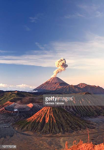 indonesia, java, bromo tengger semeru national par - mount bromo stock pictures, royalty-free photos & images
