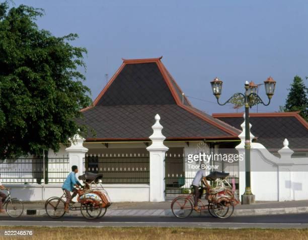 indonesia, java, yogyakarta, kraton, becak drivers, - kraton stock pictures, royalty-free photos & images
