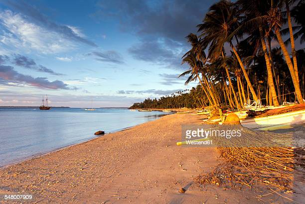Indonesia, Lombok, Beach in the morning light