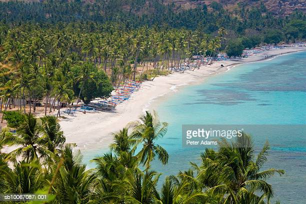 indonesia, lombok, senggigi, malibu beach, elevated view - lombok fotografías e imágenes de stock