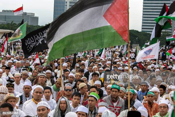 Indonesian attend a large demonstration against the United States' decision to recognize Jerusalem as the Capital of Israel on December 17 2017 in...