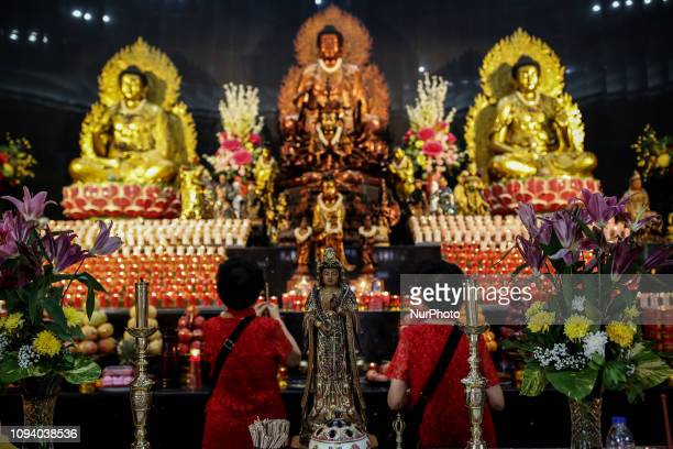 A indonesian ethnic Chinese pray during the Lunar New Year celebrations at Avalokitesvara Temple in Jakarta Indonesia on 05 February 2019 The Chinese...