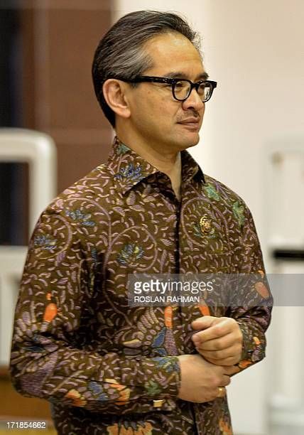 Indonesian Foreign Minister Marty Natalegawa arrives for a dinner banquet at the 46th ASEAN Foreign Ministers Meeting in Bandar Seri Begawan on June...