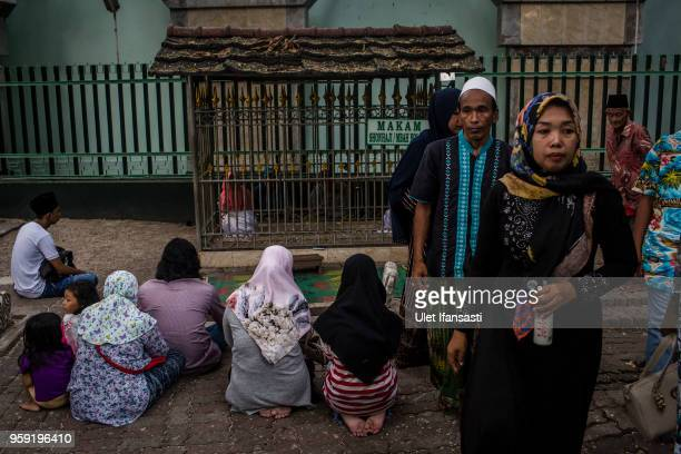 Indonesian muslim pilgrims praying at Sunan Ampel cemetry complex was one of Wali Songo who spread Islam in Java as they prepares of the holy month...