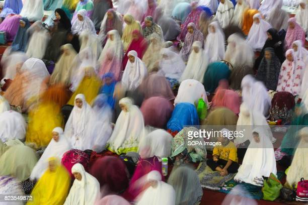 Indonesian Muslims offer special 'Tarawih' prayers on the first night of the holy month of Ramadan at the Istiqlal mosque on May 26 2017 in Jakarta...