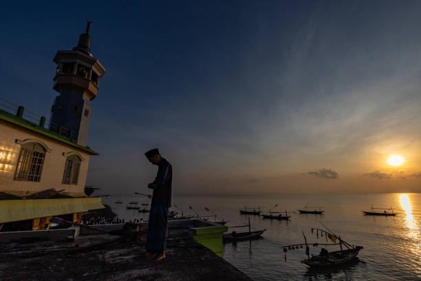 IDN: Indonesian Muslims Celebrate Eid-Al-Fitr
