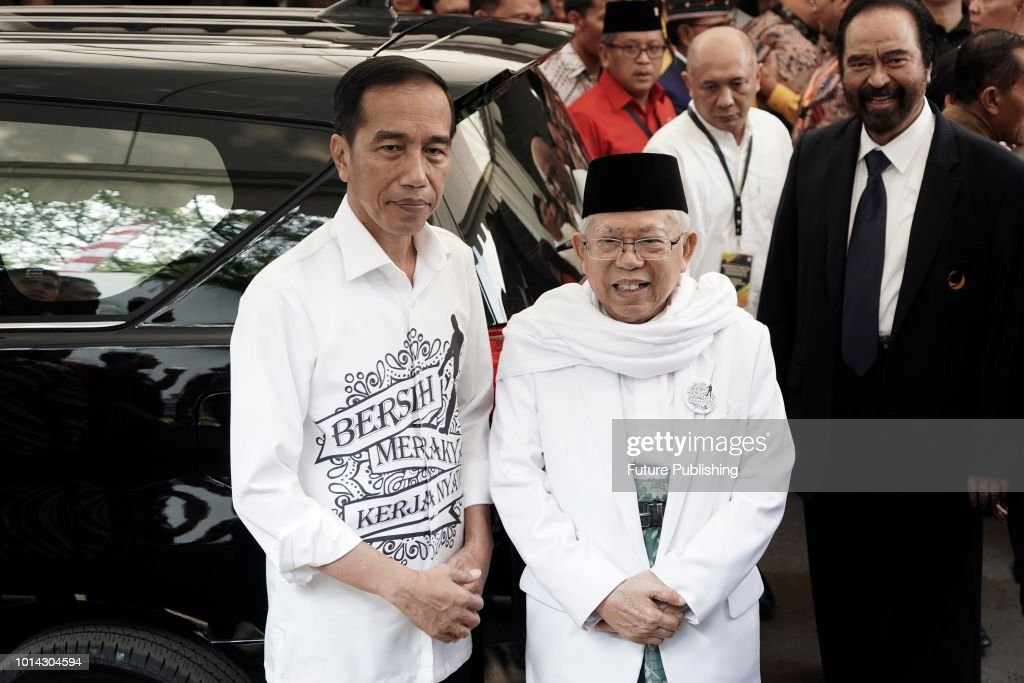 Registration for the 2019 Indonesia Presidential Election : News Photo
