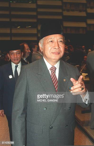 Indonesian President Suharto shown in file picture dated 04 September 1989 in Belgrade arrives at Sava center to attend the 9th NonAligned Summit