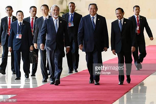 Indonesian President Susilo Bambang Yudoyono HM Sultan Hassanal Bolkiah of Brunei Darussalam and Timor Leste Prime Minister Xanana Gusmao walk to the...