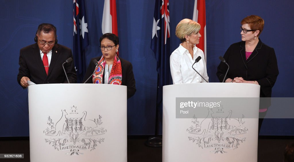 Indonesia's Defence Minister Ryamizard Ryacudu (L) and Foreign Minister Retno Marsudi (2/L) front the media at a press conference with Australia's Foreign Minister Julie Bishop (2/R) and Defence Minister Marise Payne (R) after bilateral talks on March 16, 2018 in Sydney, Australia.