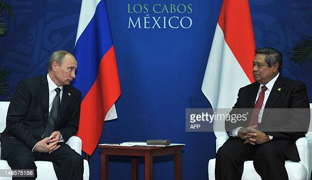 Indonesia's President Susilo Bambang Yudhoyono and his Russian counterpart Vladimir Putin meet on the sidelines of the Group of 20 summit in Los...
