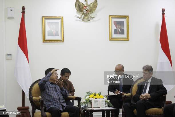 Indonesia's Vice President, Jusuf Kalla and Palestinian Ambassador to Indonesia Zuhair Al Shun held a bilateral meeting to discuss the Zero Tariff...