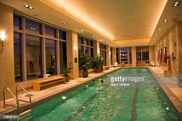 indoor swimming pool atop mandarin oriental hotel in time warner center, upper west side, new york, ny, usa - タイムワーナーセンター ストックフォトと画像