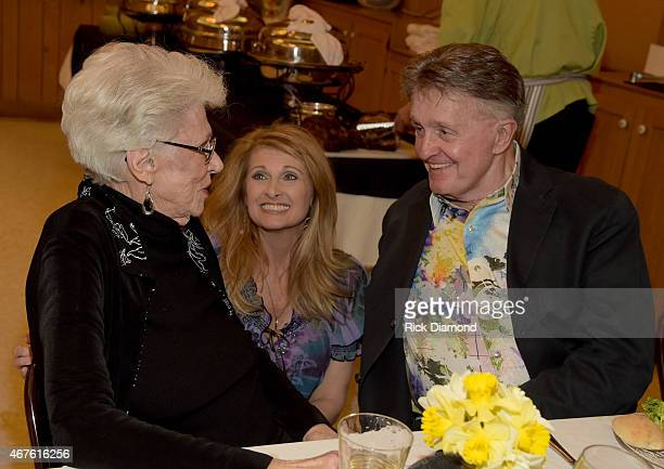 Inducee Maxine Brown Recording Artists Linda Davis and Bill Anderson during Country Music Hall of Fame inducees Jim Ed Brown and the Browns dinner...