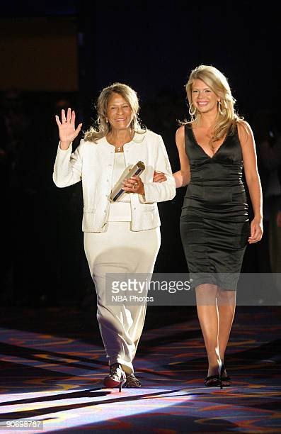 Inductee C Vivian Stringer of the Basketball Hall of Fame Class of 2009 arrives at the Ring Ceremony at Mohegan Sun Resort and Casino on September 12...
