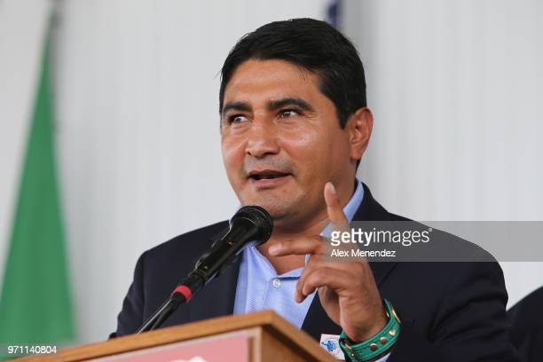 Inductee Eric Morales speaks during the 2018 induction ceremony at the International Boxing Hall of Fame for the Weekend of Champions event on June...
