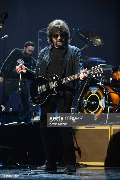 Inductee Jeff Lynne of ELO performs onstage during the 32nd Annual Rock Roll Hall Of Fame Induction Ceremony at Barclays Center on April 7 2017 in...