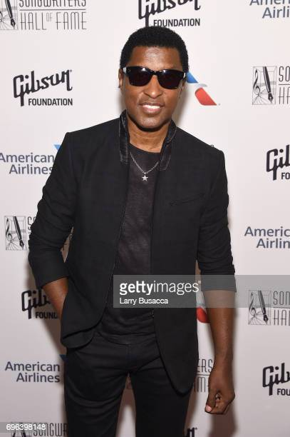 Inductee Kenneth 'Babyface' Edmonds poses backstage at the Songwriters Hall Of Fame 48th Annual Induction and Awards at New York Marriott Marquis...
