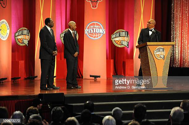 Inductee Reece Tatum addresses Meadowlark Lemon and Marquis Haynes during the 2011 Basketball Hall of Fame Enshrinement Ceremony on August 12 2011 at...