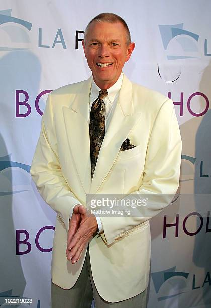 Inductee Richard Carpenter of The Carpenters arrives at the Hollywood Bowl Opening Night Gala held at the Hollywood Bowl on June 19 2009 in Hollywood...