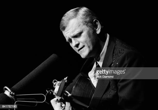 Inductee Singer/Songwriter Jerry Reed performs at The Georgia Music Hall of Fame at The Georgia World Congress Center in Atlanta Georgia. September...