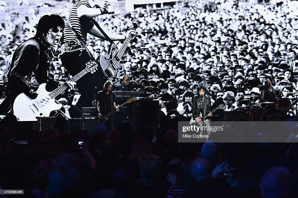 Inductees Joan Jett and the Blackhearts perform onstage during the 30th Annual Rock And Roll Hall Of Fame Induction Ceremony at Public Hall on April 18, 2015 in Cleveland, Ohio.