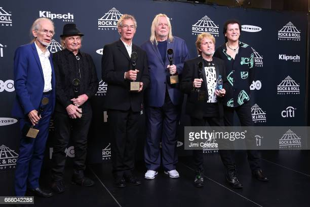 Inductees Steve Howe Alan White Bill Bruford Rick Wakeman Jon Anderson and Trevor Rabin of Yes attend the 32nd Annual Rock Roll Hall Of Fame...