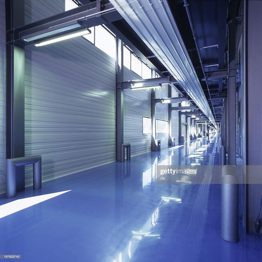 Bâtiment industriel de-chaussée dans la zone bleue : Photo