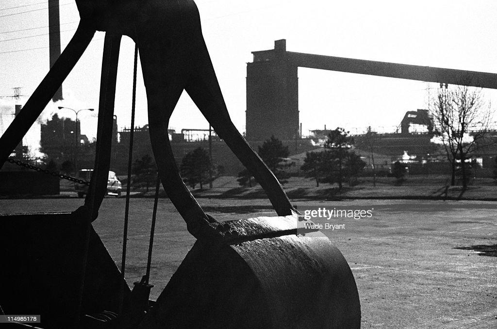 Industrial crane bucket : Stock Photo