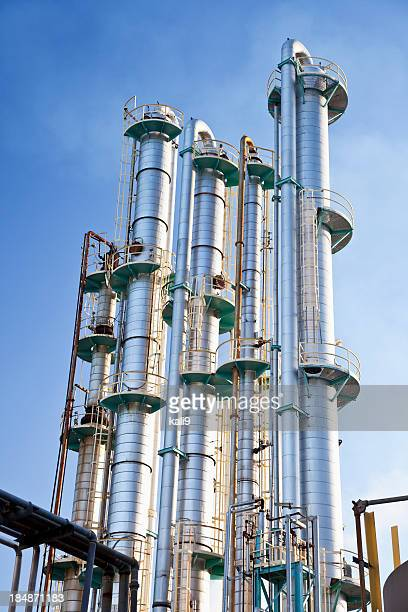 Industrial distillation towers