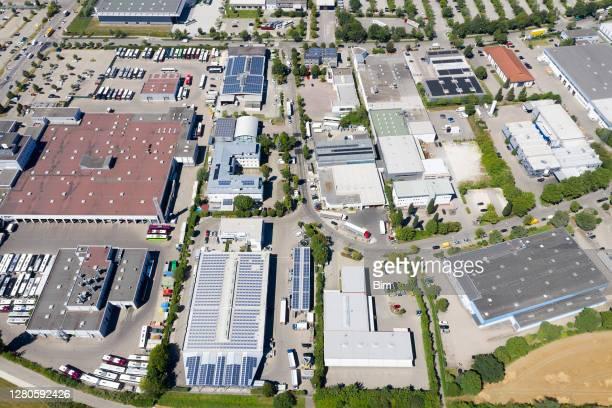 industriegebiet, luftbild - industriegebiet stock-fotos und bilder