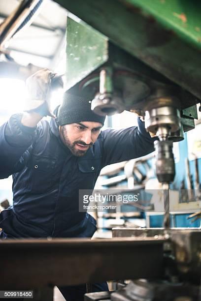 Industrielle Engineer im Drehmaschine-Maschine