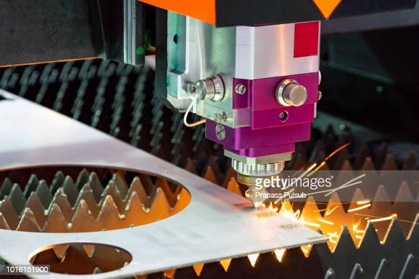 industrial metalworking cutting process by milling cutter - car lubricants 個照片及圖片檔