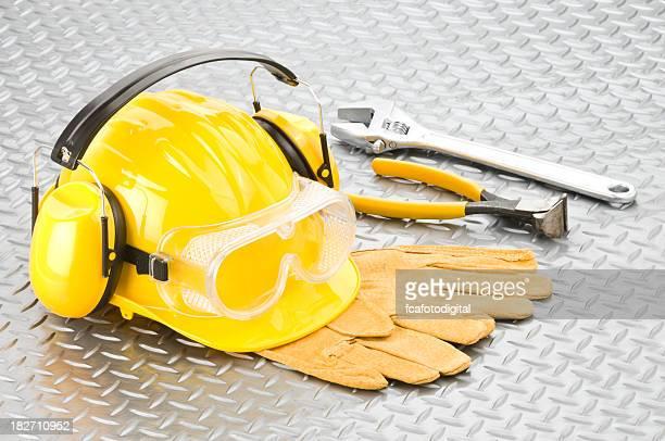 Industrial Sicherheit Workwear und Tools vor Diamondplate Hintergrund