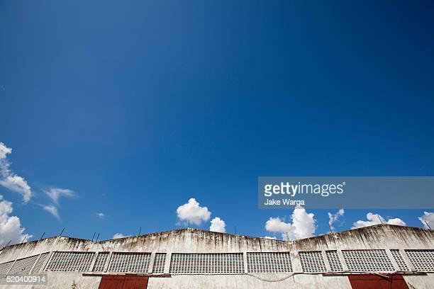 industrial warehouse near mombasa - jake warga fotografías e imágenes de stock