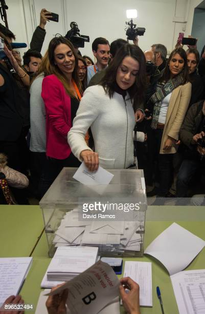 Ines Arrimadas leader of Ciudadanos party in Catalonia cast her vote on December 21 2017 in Barcelona Spain Catalan voters are heading to the polls...