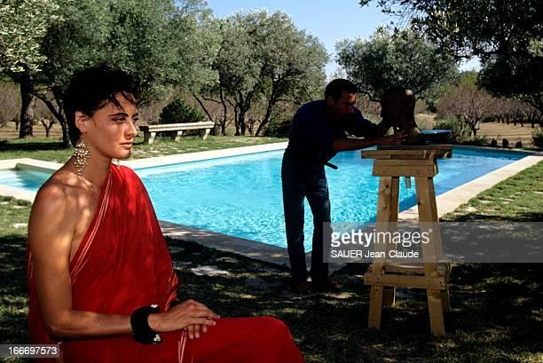 Ines De La Fressange And Luigi D'Urso In Provence. Septembre 1993 - Inès DE LA FRESSANGE, enceinte de son premier enfant, et son mari Luigi D'URSO en...