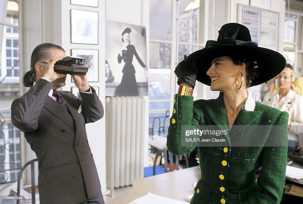 Ines De La Fressange At Chanel : News Photo