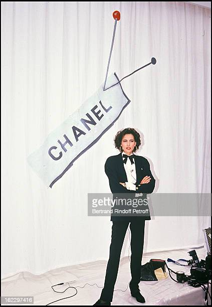 Ines de la Fressange at the Chanel 1988 Fall/Winter Collection in Paris