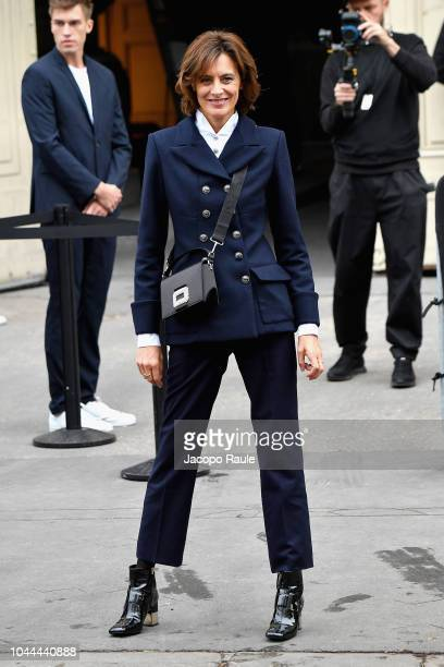Ines de la Fressange attends the Chanel show as part of the Paris Fashion Week Womenswear Spring/Summer 2019 on October 2 2018 in Paris France