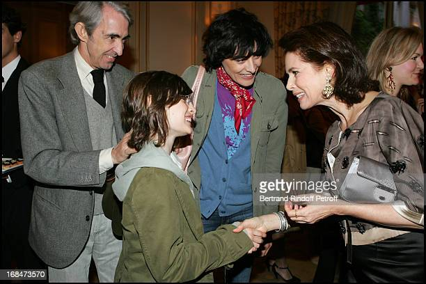 Ines De La Fressange Luigi D'Urso their daughter Nine and Dayle Haddon at Dayle Haddon Mes 5 Secrets De Jeunesse Booksigning At Plaza Athenee