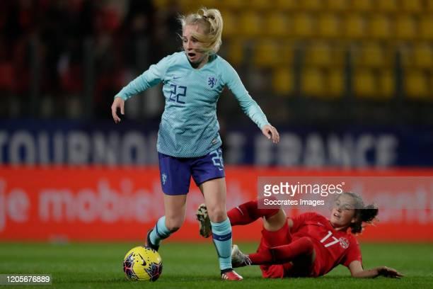 Inessa Kaagman of Holland Women Jessie Fleming of Canada Women during the International Friendly Women match between Canada v Holland at the Stade de...